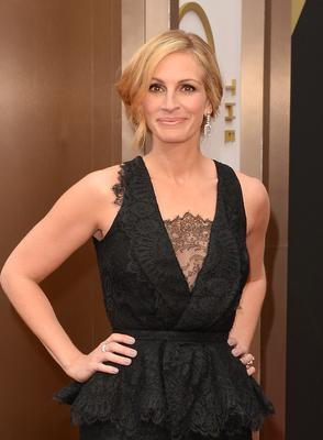 Julia Roberts - Her role as Erin Brockovich earned her a golden statue and she's never one to dirty her name (or others) in the press, no matter how nasty it gets.