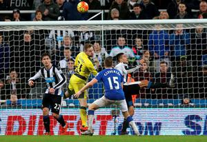 Tom Cleverley's header against Newcastle snatched victory for his Everton side Photo: Reuters / Russell Cheyne