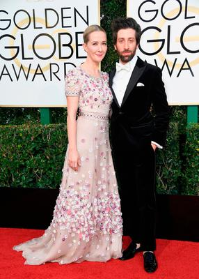 Actor Simon Helberg (R) and Jocelyn Towne attend the 74th Annual Golden Globe Awards at The Beverly Hilton Hotel on January 8, 2017 in Beverly Hills, California.  (Photo by Frazer Harrison/Getty Images)