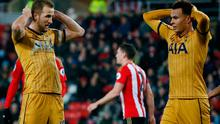 Tottenham's Dele Alli and Harry Kane looks dejected