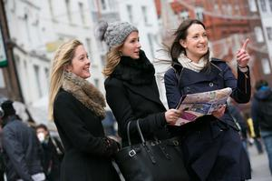MADE IN CHELSEA STAR MILLIE MACKINTOSH CELEBRATES NEW YEARS IN DUBLIN No Repro Fee 01/01/2014 PIC SHOWS:Millie Mackintosh, star of the hit TV series Made in Chelsea (centre), with her sister Alice (left) and Deirdre OBrien, Tourism Ireland, on Grafton Street, Dublin. Millie was invited to Dublin by Tourism Ireland, to check out what make Dublin such a great choice for a city break.Pic:Naoise Culhane - no fee Millie Mackintosh, former star of the hit TV series Made in Chelsea, is in Dublin to celebrate the New Year. Invited here by Tourism Ireland in London, Millie has been checking out some of the citys great shopping, venues, visitor attractions and restaurants  which make Dublin such a great choice for a city break. Over two days, Millie is enjoying some of the great shopping on South William Street and Drury Street, trying out popular restaurants like Crackbird and Fade Street Social and venues like The Liquor Rooms, indulging in a spot of pampering at Brown Sugar and taking in tourist attractions like the Guinness Storehouse. She also joined in the New Years celebrations at The Countdown Concert in the city centre. FURTHER INFO: Sinéad Grace, Tourism Ireland (087) 685 9027   Pic: Naoise Culhane - no fee