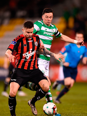Robert Cornwall of Bohemians in action against Ronan Finn of Shamrock Rovers. Photo by Seb Daly/Sportsfile