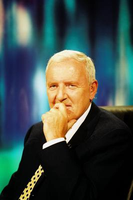 Broadcaster Bill O'Herlihy of RTÉ Sport (2000)