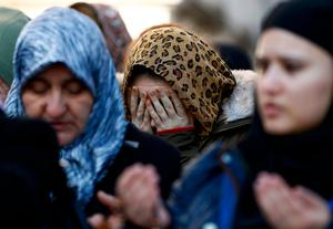 Relatives react at the funeral of Busra Kose, a victim of an attack by a gunman at Reina nightclub, in Istanbul, Turkey, January 2, 2017.    REUTERS/Osman Orsal