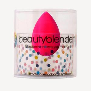 Beauty Blender Classic Sponge (€22)