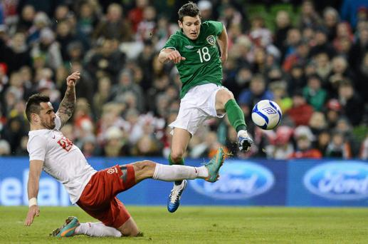 Wes Hoolahan shoots to score Ireland's second goal
