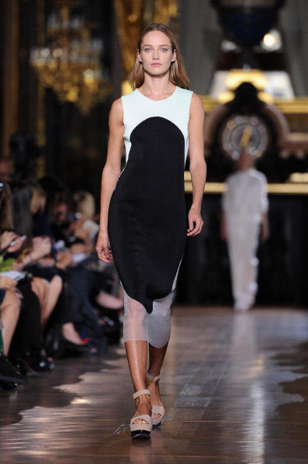 PARIS, FRANCE - OCTOBER 01: A model walks the runway during the Stella McCartney Spring / Summer 2013 show as part of Paris Fashion Week on October 1, 2012 in Paris, France. (Photo by Pascal Le Segretain/Getty Images)
