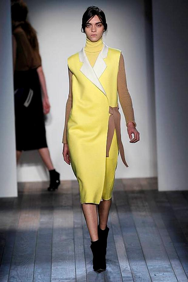 The most unexpected looks were the flashes of bright yellow, including a sleeveless trench.