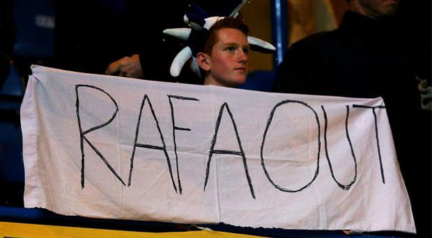 Chelsea have decided not to confiscate supporters' anti-Rafa Benitez banners