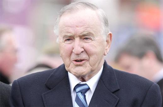 Former Taoiseach Albert Reynolds is suffering from Alzheimer's disease and now requires 24-hour care.