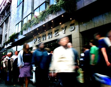 PENNEYS ON O'CONNELL ST DUBLIN. PICTURE BY DAVID CONACHY. 29/6/02.