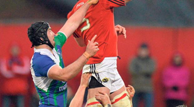 Munster's Paul O'Connell secures possession in a line-out ahead of Mick Kearney in Musgrave Park last night.