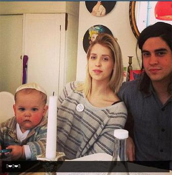 The picture which Peaches Geldof posted on twitter showing her enjoying the traditional Jewish feast, the Seder Passover, with her husband Thomas Cohen and their son Astala