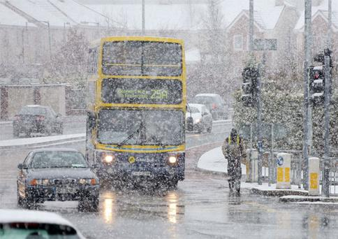 Heavy snow in Lucan, Dublin this morning during the morning rush hour. Photo: Collins