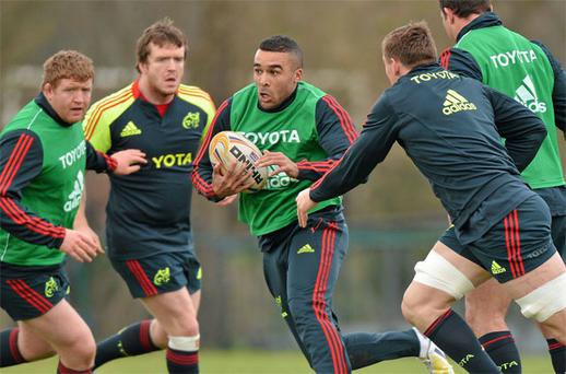 Simon Zebo in action on his return to full training with Munster at the Cork Institute of Technology in Bishopstown yesterday