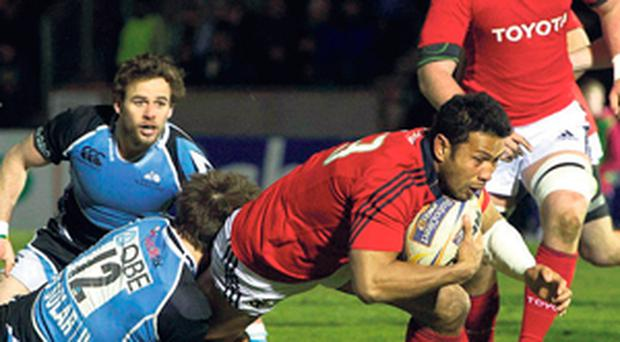 Casey Laulala scores Munster's first try