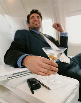 Single men are most likely to get upgraded on a flight.