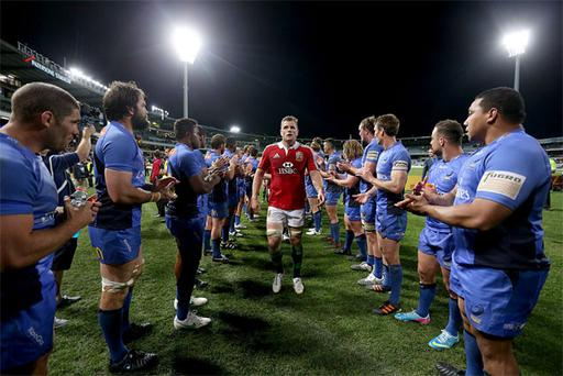 Jamie Heaslip is appluaded by Western Force players after the final whistle