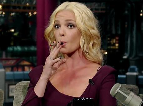 Katherine Heigl shows off her E-lite cigarette on a US chat show