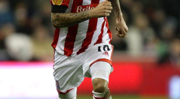 Jermaine Pennant has signed a new one-year contract with Stoke City