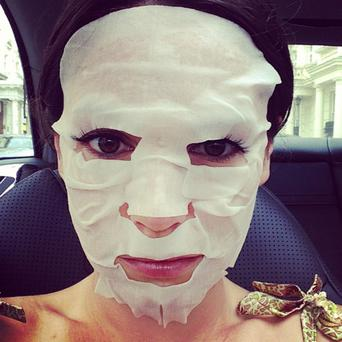 Model Kelly Brook's picture of her face mask