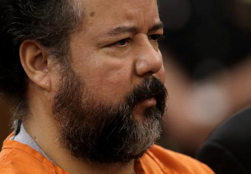 Ariel Castro stands before a judge during his arraignment on an expanded 977-count indictment