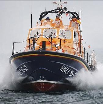 The RNLI is helping search for an American-registered plane that came down in the Channel