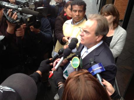 Peter Madden, solicitor of Michaella McCollum, speaking outside a police station in Peru