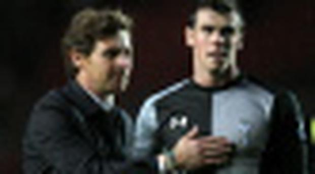 Tottenham Hotspur's manager Andre Villas Boas and Gareth Bale.