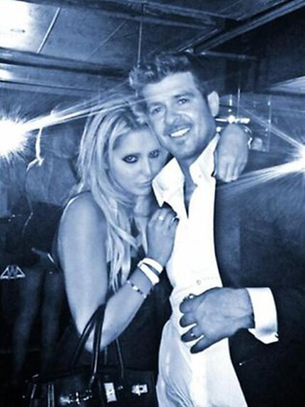 Robin Thicke Appears To Be Groping A Womans Backside In A Newly Released Photo