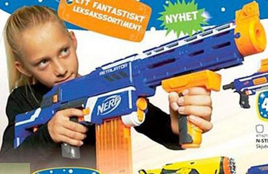 Sweden's Toys R Us Chirstmas advert featured a girl shooting a Nerf gun