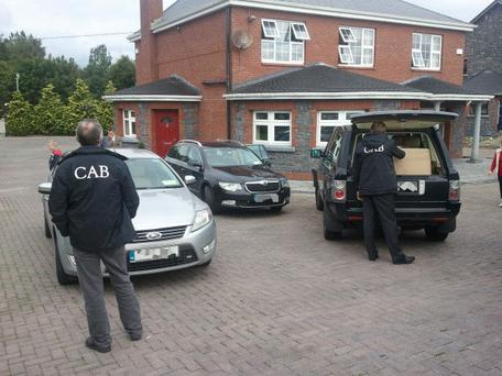 Criminal Assets Bureau (CAB) and members of the Emergency Response Unit have raided a number of properties in connection to a Europol investigation into the activities of an international crime gang