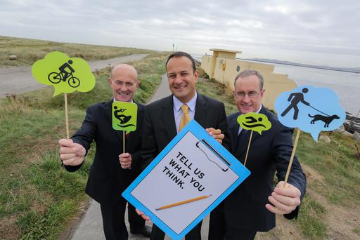 Public to put pen to paper on community proposal: Picture (l-r) was Eamonn OReilly, Chief Executive Dublin Port Company, Minister for Transport, Tourism & Sport, Leo Varadkar and Owen P Keegan, Dublin City Manager, Dublin City Council.