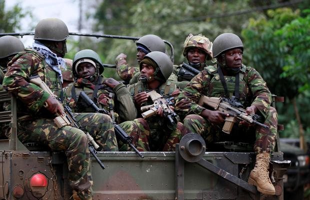 Soldiers from the Kenya Defence Forces (KDF) arrive at the Westgate Shopping Centre in the capital Nairobi.