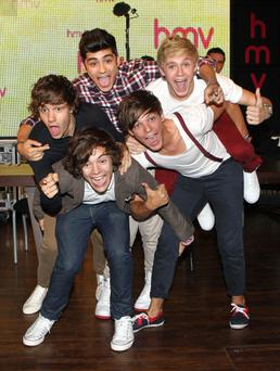 Louis Tomlinson, Harry Styles, Zian Malik, Liam Payne, Niall Horan and of One Direction