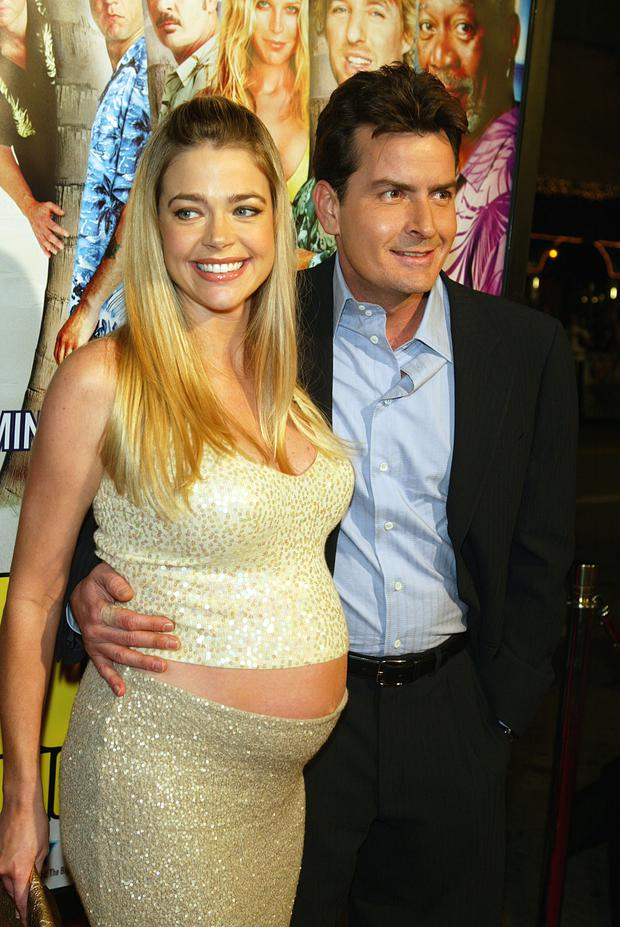 Charlie+with+a+pregnant+Denise+Richards.jpg