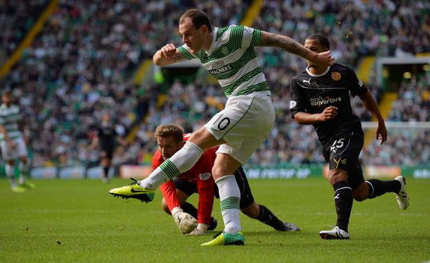 Celtic's Anthony Stokes has signed a new contract