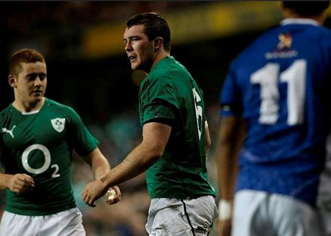 Peter O'Mahony (centre) with Paddy Jackson after scoring Ireland's first try against Samoa
