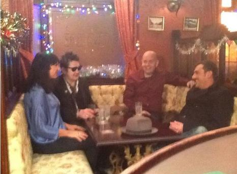Shane MacGowan and partner Victoria Mary Clarke in The Rover's Return with actor Chris Gascoyne (Photo: Victoria Mary Clarke/ Facebook)