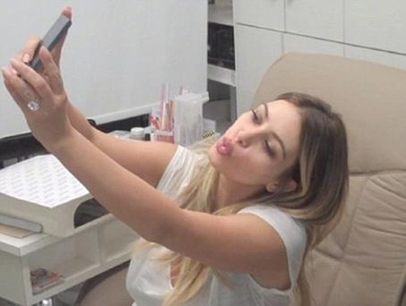 Kim reveals the three key rules to stick to in order to fulfil your maximum selfie potential.