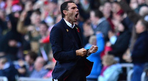 Sunderland manager Gustavo Poyet believes Chelsea can win the league