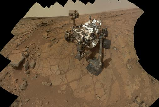 Image of the Curiosity Rover on Mars which has discovered a lake-bed boosting the possibility of finding life