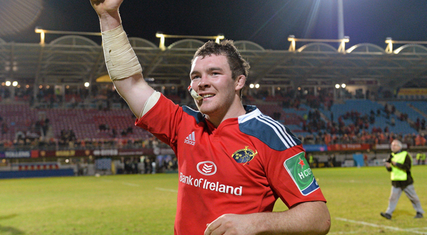 14 December 2013; Munster captain Peter O'Mahony acknowledes supporters after defeating Perpignan.