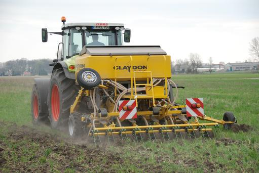 Hybrid: The new Claydon drill has the capacity to carry 750kg of seed and 750kg of fertiliser