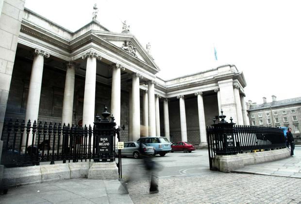 Bank of Ireland: pay rise and one-off bonus for staff