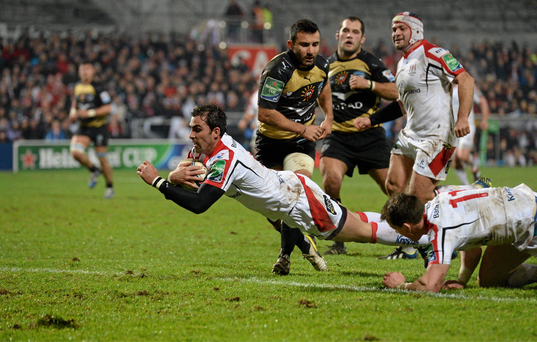 Ruan Pienaar, Ulster, goes over to score his side's second try. Heineken Cup 2013/14, Pool 5, Round 5, Ulster v Montpellier, Ravenhill Park, Belfast, Co. Antrim. Picture credit: Paul Mohan / SPORTSFILE