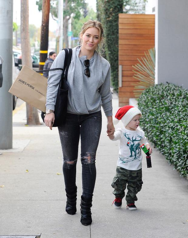 458790597-hilary-duff-and-luca-comrie-are-seen-on-gettyimages.jpg