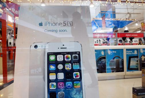 A sign for the Apple Inc. iPhone 5s.