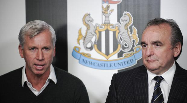 Derek Llambias (R) with Newcastle manager Alan Pardew during his time as Managing Director.