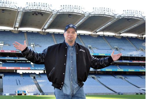 Country singer Garth Brooks is to play his first concert in Ireland for 17 years